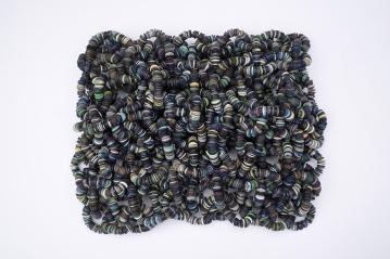 Blueworms 2010 Botones de plástico ensamblados con nylon 45 x 33 x 12 cm (17.7 x 13 x 4.7 in)