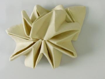 Embebida B 2009 Material textil embebido en porcelana 18.4 x 13.1 x 6.5 cm (7.2 x 5.2 x 2.6 in)
