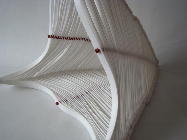 Visillo 2012 Fleje y cuentas de arcilla ensamblados con acero 35 x 41 x 35 cm (13.7 x 16 x 13.7 in)
