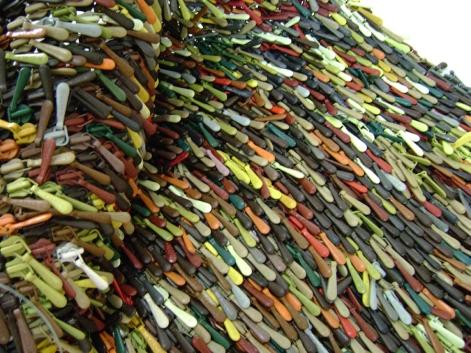 Zip 2009 Ganchos de cierres ensamblados con nylon 71 x 27 cm (28 x 10.6 in)